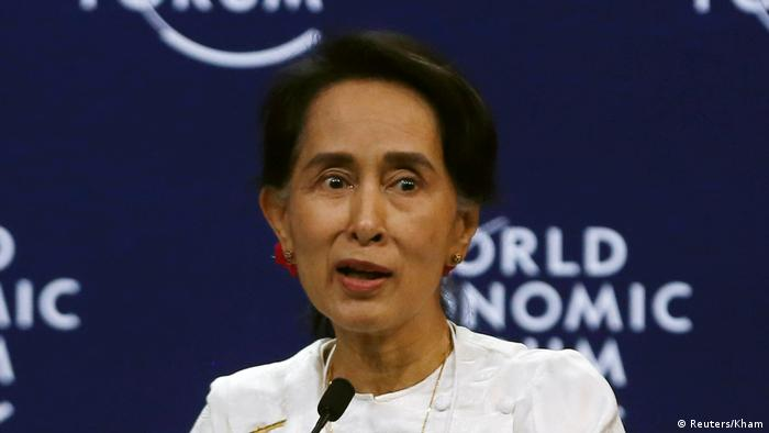 Pemimpin Myanmar, Aung San Suu Kyi, di Forum Ekonomi Dunia dan ASEAN, Hanoi, Vietnam.