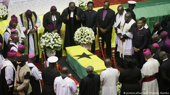Prayers at the funeral of Kofi Annan, the Ghana-born former UN chief (picture-alliance/AP Photo/S. Alamba)