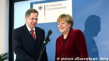 Bundeskanzlerin Angela Merkel beim BfV Hans-Georg Maaßen