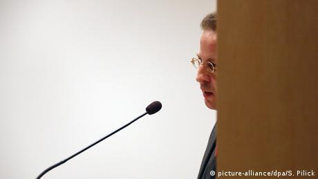 BfV President Hans-Georg Maassen (picture-alliance/dpa/S. Pilick)
