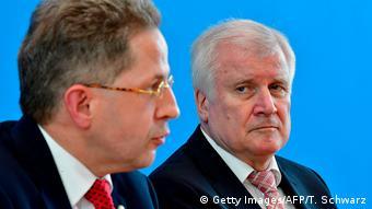 Berlin BfV Hans-Georg Maaßen Innenminister Horst Seehofer (Getty Images/AFP/T. Schwarz)