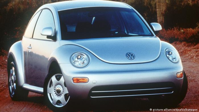 VW New Beetle 1998 in silver (picture-alliance/dpa/Volkswagen)