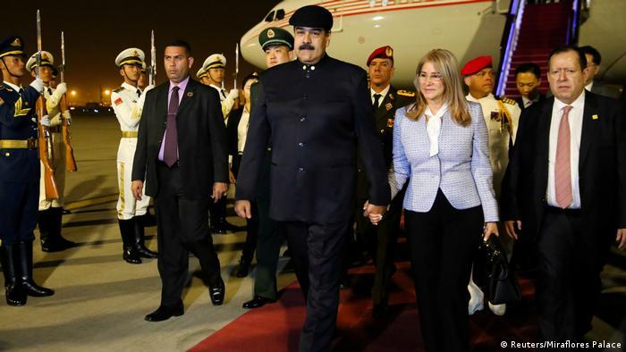 China Peking Ankunft von Venezuelas Präsident Nicolas Maduro (Reuters/Miraflores Palace)