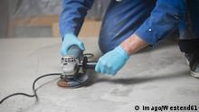 Deutschland Bauarbeiter auf der Baustelle Symbolbild