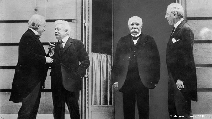 Pariser Friedenskonferenz 1919 The Big Four (picture-alliance/AP Photo)
