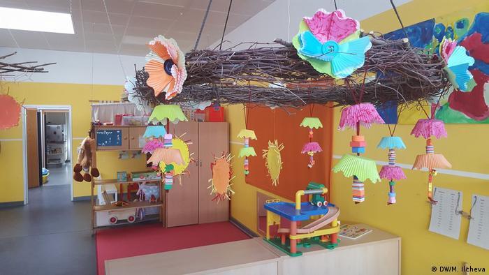 Цялата детска градина е украсена с произведения на малките творци
