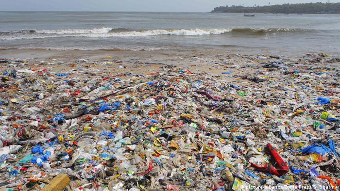 Plastic rubbish on Mumbai beach, India