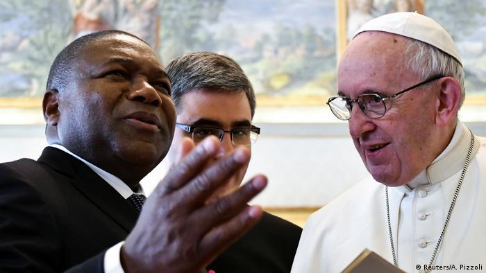 Foto de arquivo (2018): Filipe Nyusi numa audiência privada com o papa Francisco no Vaticano.