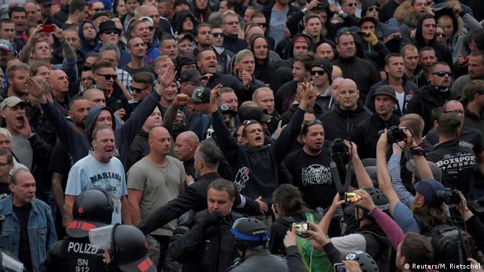 Symbolbild Rechtsextreme in Chemnitz (Reuters/M. Rietschel)