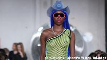 14.09.2018 NICOPANDA Catwalk Ð London Fashion Week September 2018. Models on the catwalk during the NICOPANDA during London Fashion Week September 2018. PRESS ASSOCIATION. Picture date: Friday September 14, 2018. Photo credit should read: Isabel Infantes/PA Wire URN:38521037 |