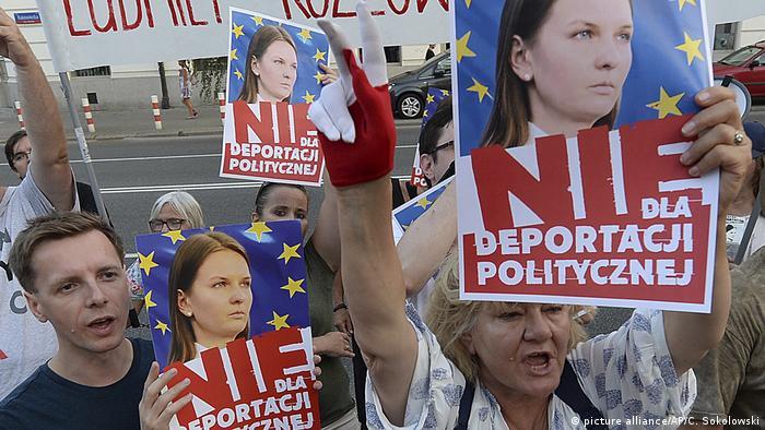 Protesty w Polsce przeciwko wydaleniu Kozłowskiej z UE
