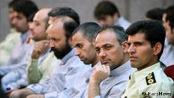 تاکنون دهها نفر از معترضان در دادگاه نمایشی جمهوری اسلامی به مجازات سنگین محکوم شدهاند