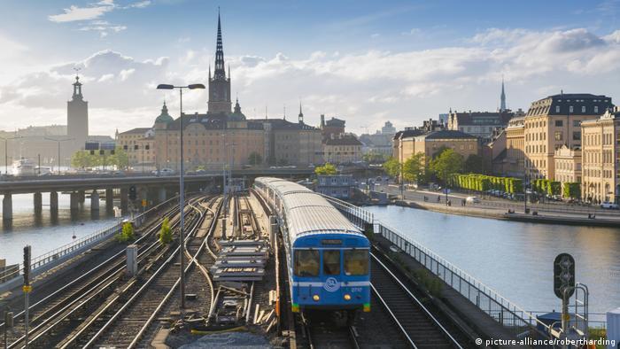 Stockholm Riddarholmen church train