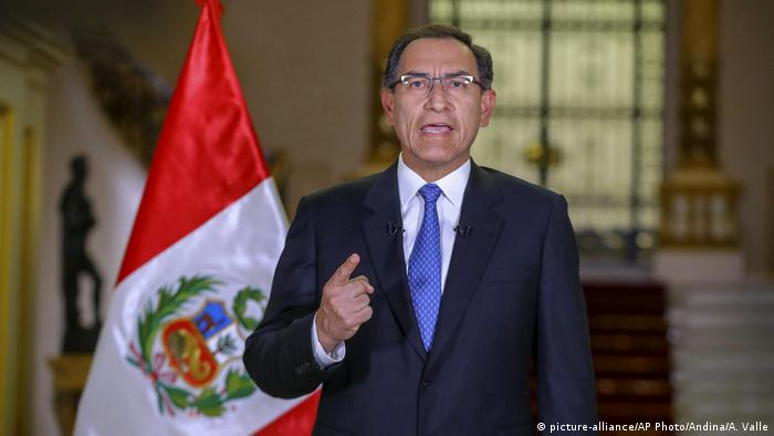 Peru Martin Vizcarra Rede zur Lage der Nation (picture-alliance/AP Photo/Andina/A. Valle)