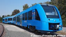 Premierenfahrt für den weltweit ersten Wasserstoffzug