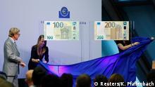 Präsentation der neuen Euro Banknoten (Reuters/K. Pfaffenbach)