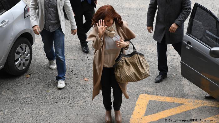 Cristina F. de Kirchner entrando a Tribunales, Buenos Aires. (3.09.2018).