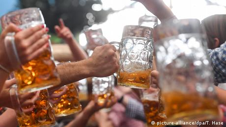 Deutschland Oktoberfest (picture-alliance/dpa/T. Hase)