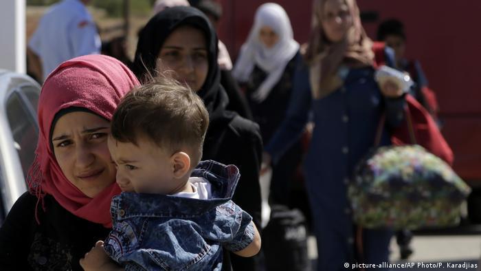 Сирийские беженцы прибывают на Кипр (фото из архива)