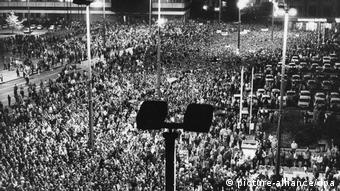Erste Montagsdemonstration in Leipzig 1989