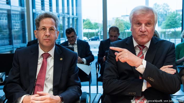 Hans-Georg Maaßen und Horst Seehofer (picture-alliance/dpa/B. von Jutrczenka)