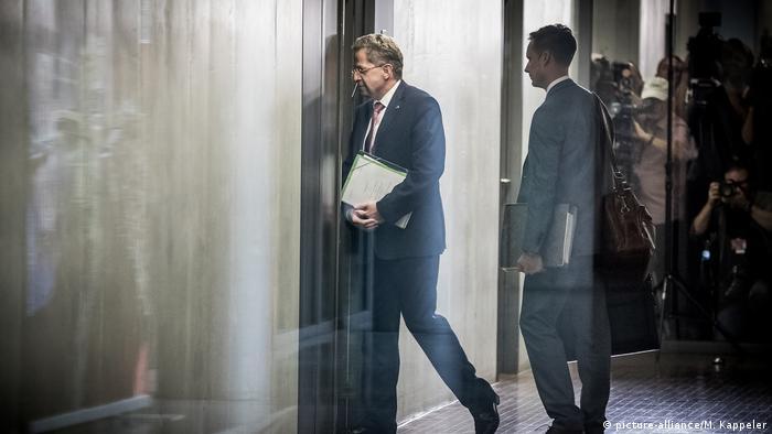 Maassen enters a parliamentary hearing in Berlin