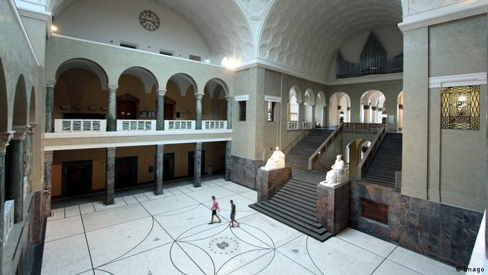 Lichthof Innenhof Universität München (Imago)