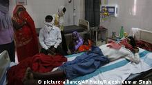 Indien Krankenhaus in Varanasi | Tuberkulose-Patient (picture-alliance/AP Photo/Rajesh Kumar Singh)