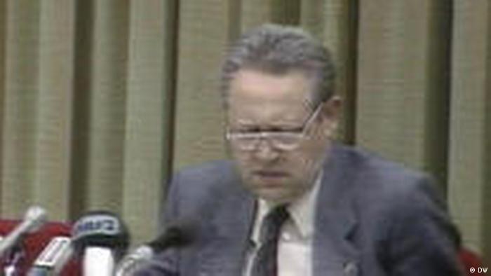 Günter Schabowski lors de la conférence de presse du 9 novembre 1989
