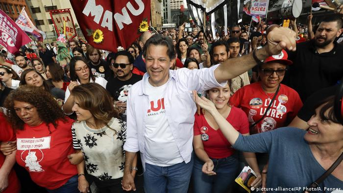Brazilian Workers' Party presidential candidate Fernando Haddad (picture-alliance/AP Photo/A. Penner)