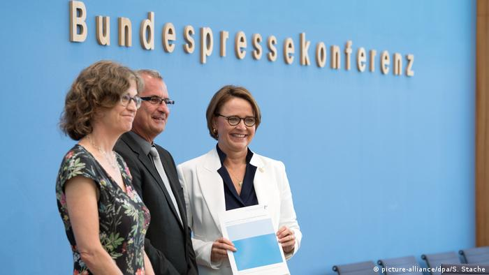 Pk zum Integrationsbarometer 2018 (picture-alliance/dpa/S. Stache)