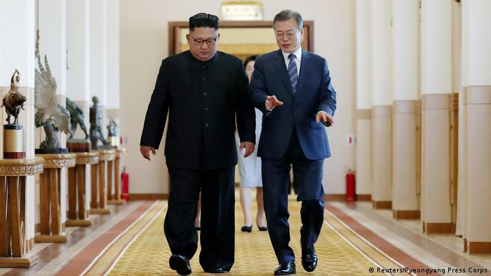 The leaders of North Korea and South Korea (Reuters/Pyeongyang Press Corps)