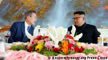 South Korean President Moon Jae-in and North Korean leader Kim Jong Un attend a luncheon in Pyongyang, North Korea, September 19, 2018. Pyeongyang Press Corps/Pool via REUTERS