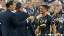 Champions League Valencia v Juventus | Cristiano Ronaldo fliegt vom Platz