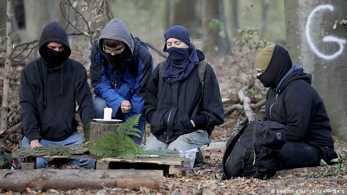 Hambacher Forst nach Tod eines Journalisten (picture-alliance/dpa/O. Berg)