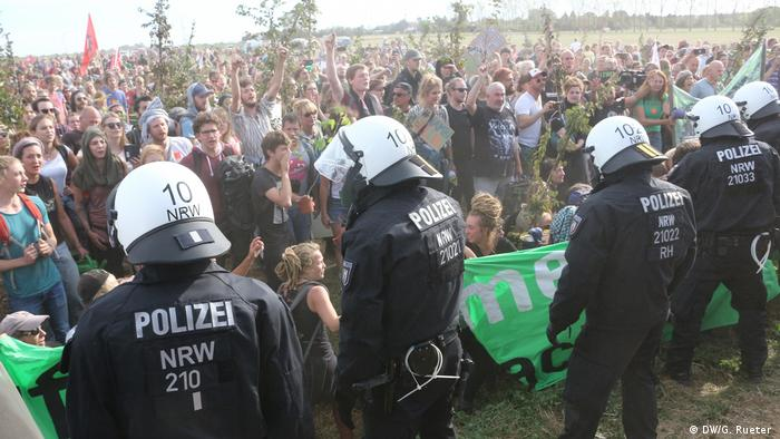 Police face protestors at Hambach Forest
