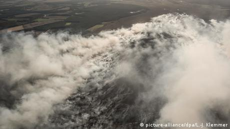 Moor fire near Meppen (picture-alliance/dpa/L.-J. Klemmer)