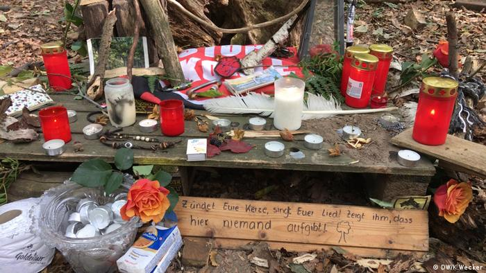 Altar in Hambach Forest to honor the journalist who fell to his death from a tree