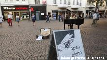 Deutschland Initiative Open piano for refugees in Bonn
