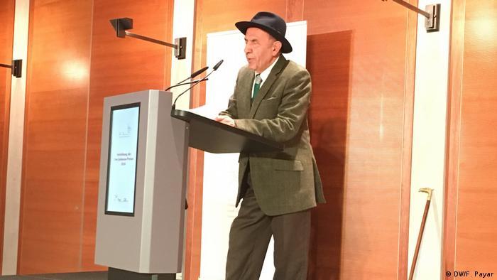 سخنرانی جواد مجابی در مراسم اهدای جایزه ادبی اووه یونسون در برلین