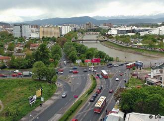 Деновиве во Скопје (фото) треба да биде промовирана првата книга поезија на турски јазик на Илхами Емин