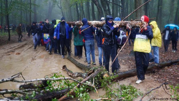 Hambacher Forst Räumung Regen Aktivisten