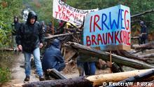 Hambacher Forst Aktivisten im Regen