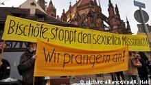 Deutsche Bischofskonferenz - Mahnwache sexueller    Missbrauch