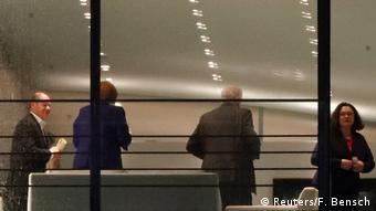 Deutschland Spitzentreffen zu Maaßen in Berlin (Reuters/F. Bensch)