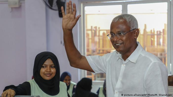 Ibrahim Mohamed Solih, president-elect (picture-alliance/AP Photo/M. Sharuhaan)