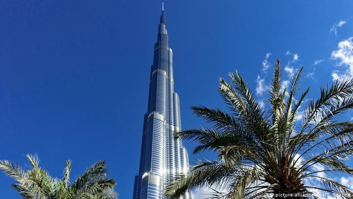 Vereinigte Arabische Emirate Burj Khalifa (picture-alliance/dpa/S. Stache)
