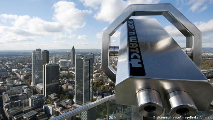 Deutschland Blick vom Maintower in Frankfurt am Main (picture-alliance/imageBroker/U. Kraft)