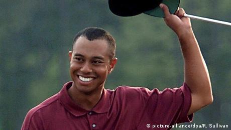 Tiger Woods celebrates victory at Augusta (picture-alliance/dpa/R. Sullivan)