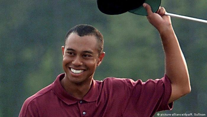 Tiger Woods celebrates victory at Augusta (picture-alliance/dpa/R. Sullivan)